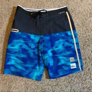 Quicksilver board shorts / swim trunks NWOT